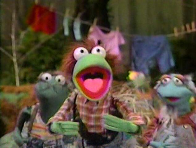 File:Paradise Swamp frogs 03.jpg