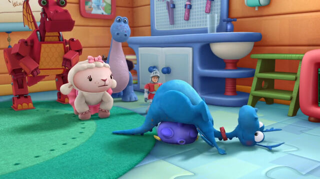 File:Stuffy crashes onto squeakers.jpg