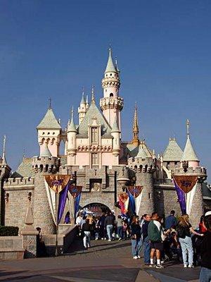 File:Disneyland sleeping beauty castle.jpg