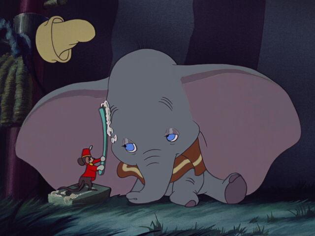 File:Dumbo-disneyscreencaps.com-4290.jpg