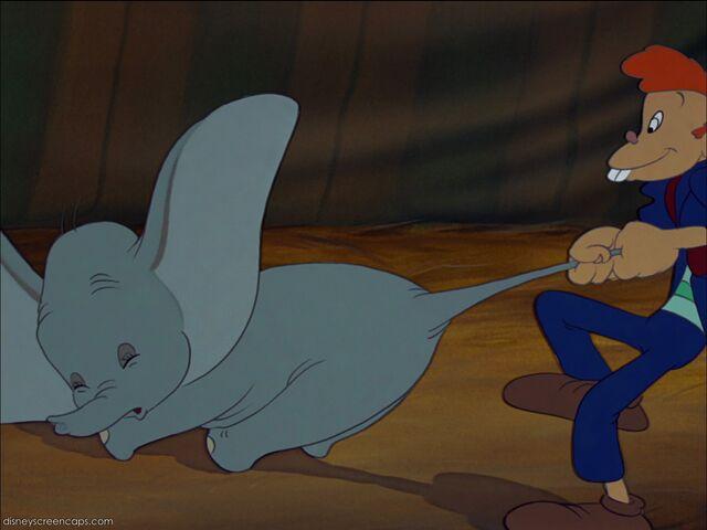 File:Dumbo-disneyscreencaps com-1919.jpg