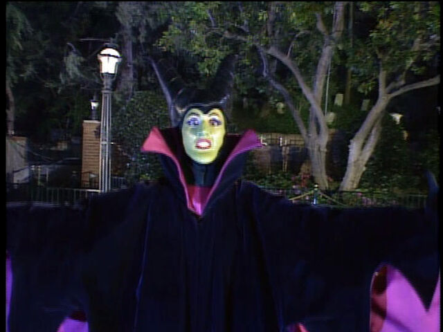File:MaleficentinDisneylandFun.jpg