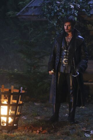 File:Once Upon a Time - 5x11 - Swan Song - Released Image - Dark Captain Hook.jpg