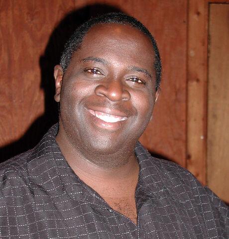 File:Gary Anthony Williams, at Manuel's Tavern, 2007-05-03.jpg
