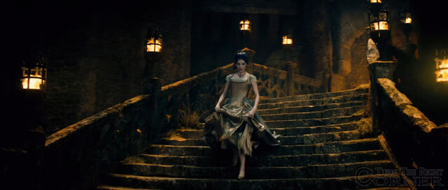 File:Into-the-woods-movie-screenshot-anna-kendrick-cinderella-dress.jpg