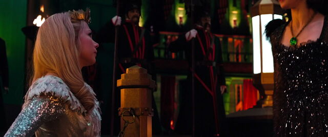 File:Oz-great-powerful-disneyscreencaps.com-12239.jpg