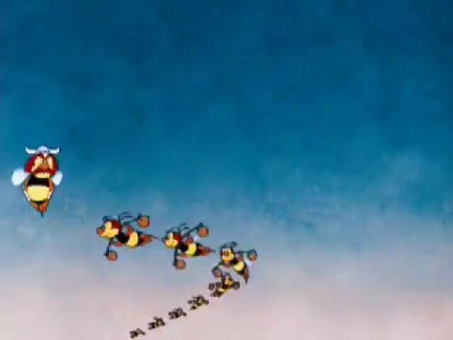 File:Donald Duck - Bee On Guard5.jpg