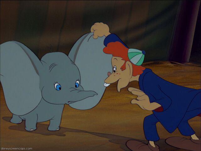 File:Dumbo-disneyscreencaps com-1921.jpg