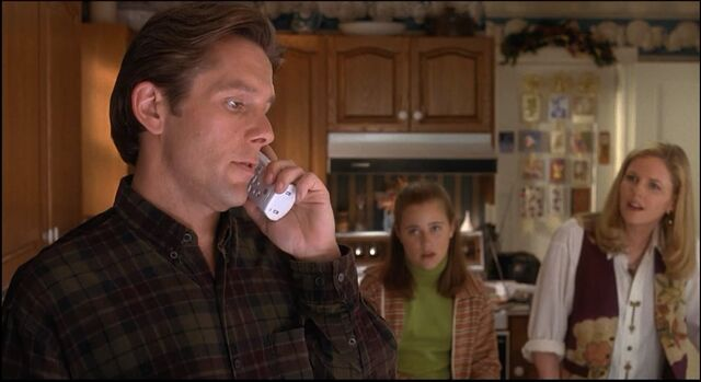 File:Ill-be-home-for-christmas-1998-gary-cole-lauren-maltby-and-eve-gordon.jpg