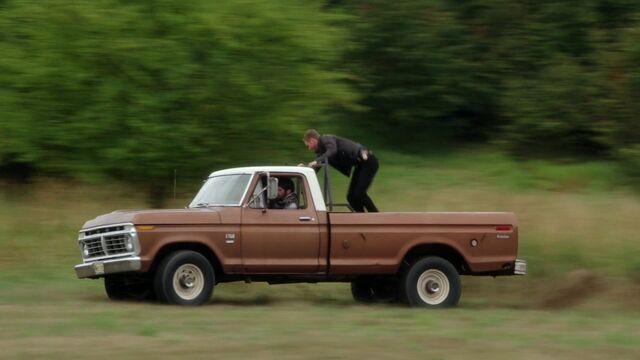 File:Once Upon a Time - 5x03 - Siege Perilous - Driving.jpg
