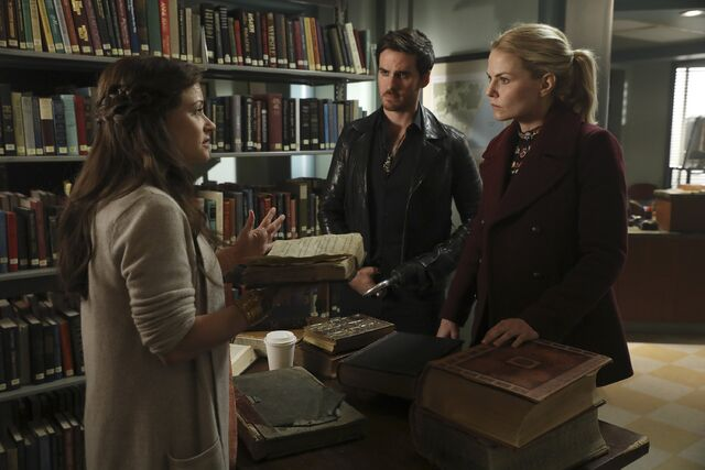 File:Once Upon a Time - 6x09 - Changelings - Photography - Belle, Hook and Emma.jpg