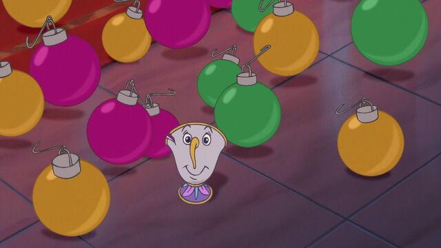 File:Beauty-beast-christmas-disneyscreencaps.com-2640.jpg