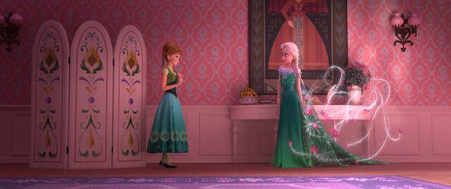 File:Frozen fever 1.jpg