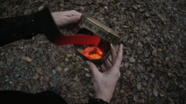 File:Once Upon a Time - 5x08 - Birth - Ember Trap.jpg