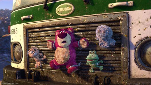 File:Lots-o'-Huggin' Bear.jpg