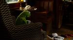 Muppets Most Wanted extended cut 1.10.32 is that a scarf
