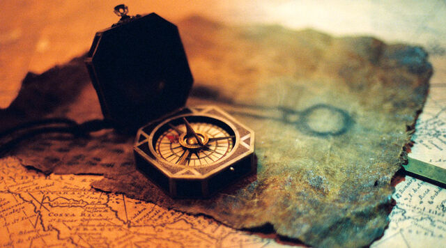 File:Jack's Compass and Portrait of Key.jpg