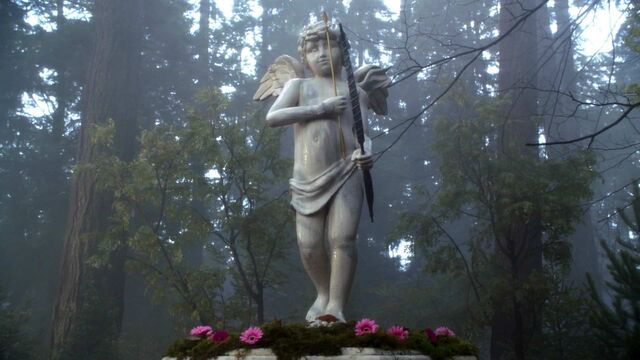 File:Once Upon a Time - 6x14 - Page 23 - Cupid Statue.jpg