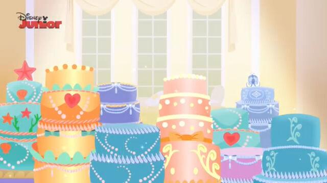 File:Cake-tillion-091.jpg