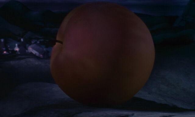 File:James-giant-peach-disneyscreencaps.com-3010.jpg