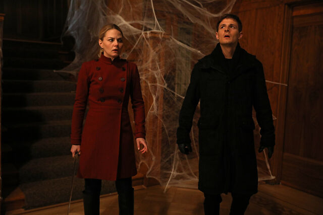 File:Once Upon a Time - 6x16 - Mother's Little Helper - Photography - Emma and Gideon.jpg