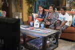 Raven's Home - 1x04 - The Bearer of Dad News - Photography - Nia, Raven and Booker