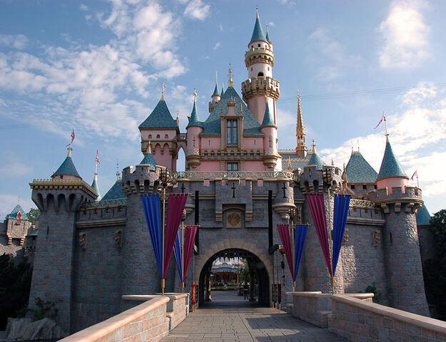 File:Disneyland1.jpg