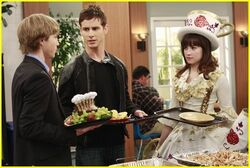 SWAC-1-09-With-A-Chance-Of-Dating-Promos-sonny-with-a-chance-5496185-500-335-1-