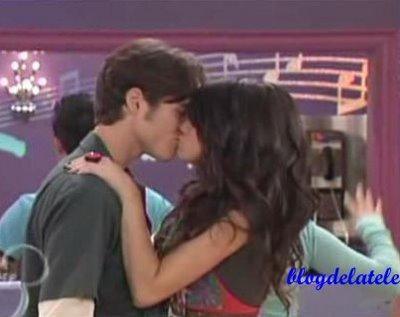 File:Alex and Dean kissing.jpg