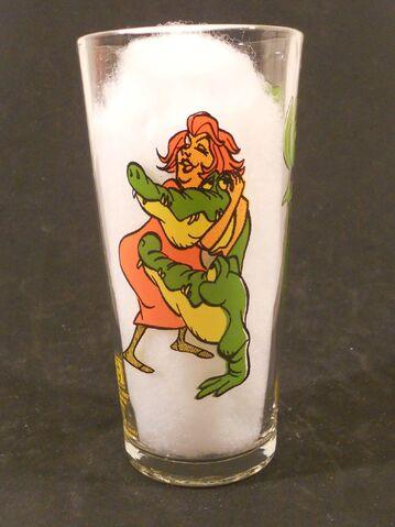 File:Brutus nero pespi glass.jpg