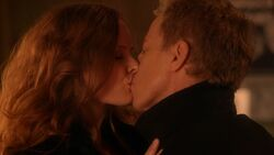 Once Upon a Time - 5x20 - Firebird - Zelena Hades Kiss