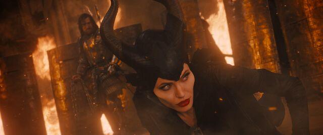File:Maleficent-(2014)-351.jpg