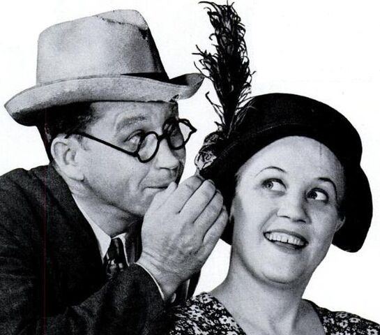 File:Fibber McGee and Molly in 1937.jpg