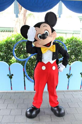 File:Mickey HKDL.jpg