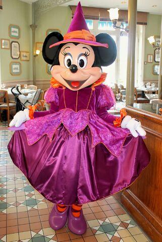 File:Minnie Iinventions.jpg