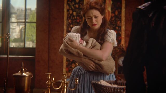 File:Once Upon a Time - 6x09 - Changelings - Belle with Baby.jpg