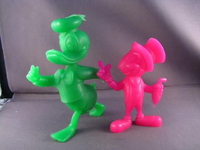 File:Donald+Jiminy plastic figures.JPG
