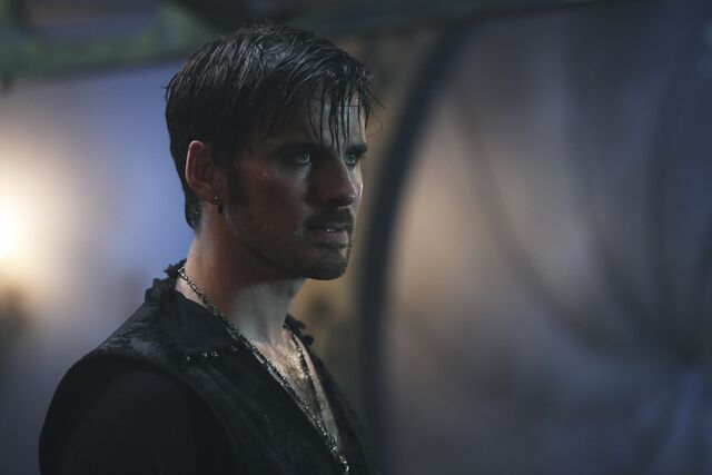 File:Once Upon a Time - 6x06 - Dark Waters - Photgraphy - Hook.jpg