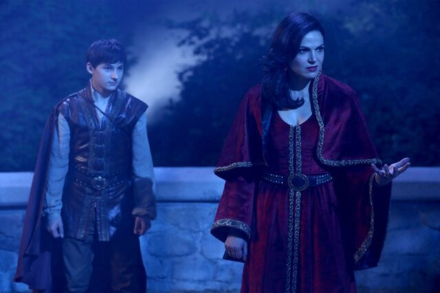 File:Once Upon a Time - 5x05 - Dreamcatcher - Publicity Image - Henry and Regina.jpg