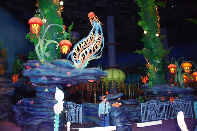 File:Jellyfish ride at TDS.jpg