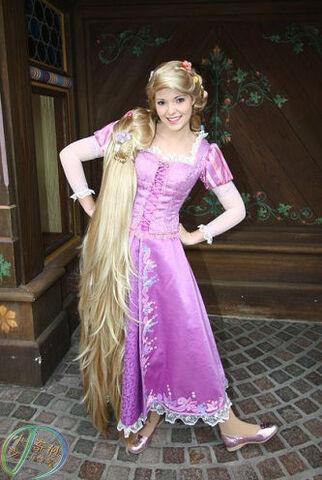 File:Rapunzel HKDL.jpg