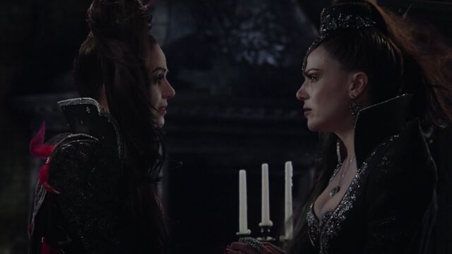 File:Once Upon a Time - 6x21 - The Final Battle Part 2 - Queen and Regina.jpg