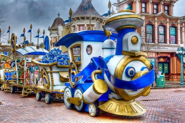 File:Disney Characters' Express 2007.jpg