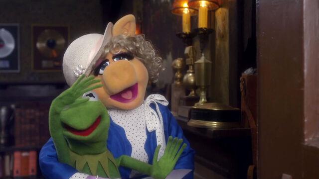 File:MuppetsBeingGreenTeaser05.jpg