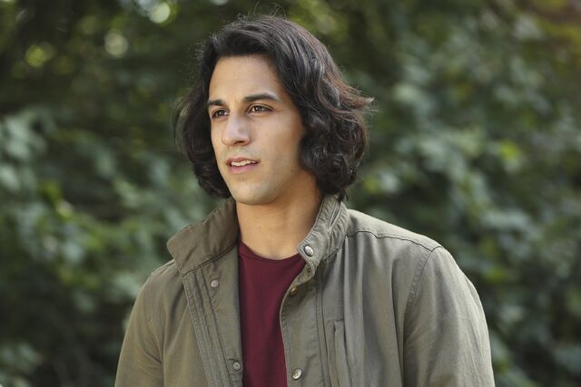 File:Once Upon a Time - 6x06 - Dark Waters - Photgraphy - Aladdin.jpg