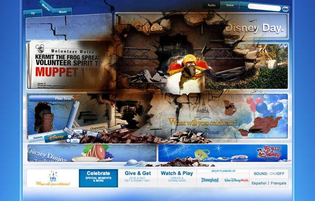 File:Disneyparksgive.com-23.jpg