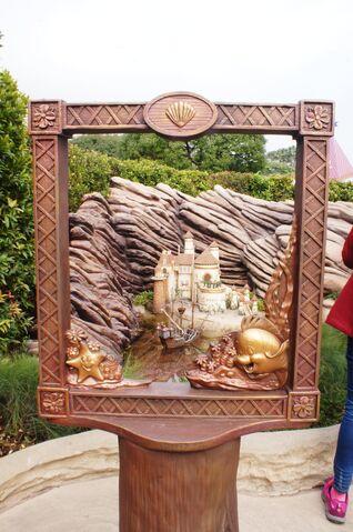 File:Fairy Tale Forest Photo Frame 05.jpg