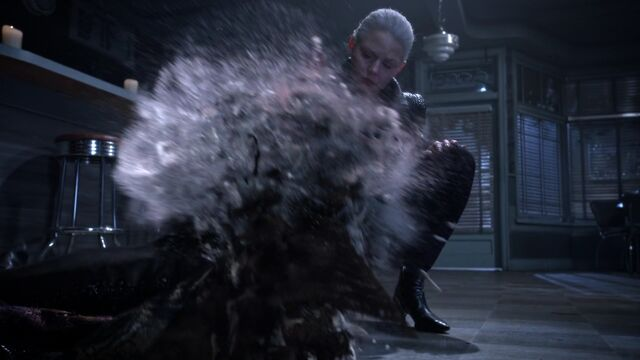 File:Once Upon a Time - 5x10 - Broken Heart - Merlin Dust 2.jpg