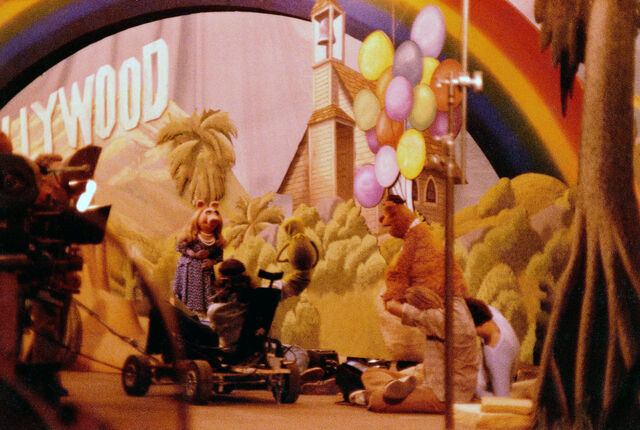 File:Filming muppet movie finale.jpg