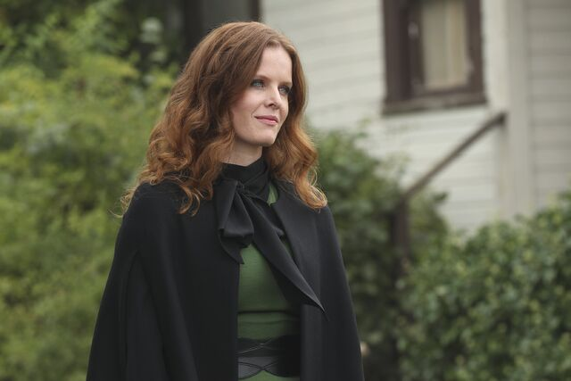 File:Once Upon a Time - 6x06 - Dark Waters - Photgraphy - Zelena.jpg